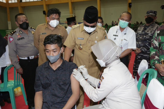 Gubernur Kalsel dorong percepatan pelaksanaan vaksinasi