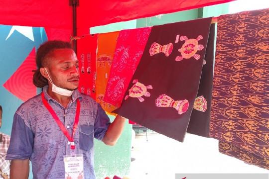 Sanggar batik Phokouw Faa buka stand di venue Softball PON XX