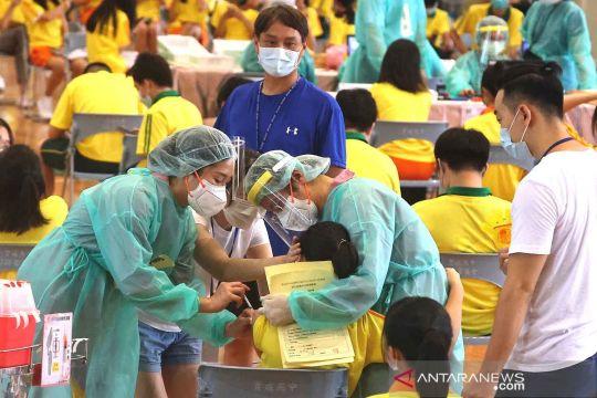 Vaksinasi COVD-19 untuk pelajar di Taiwan