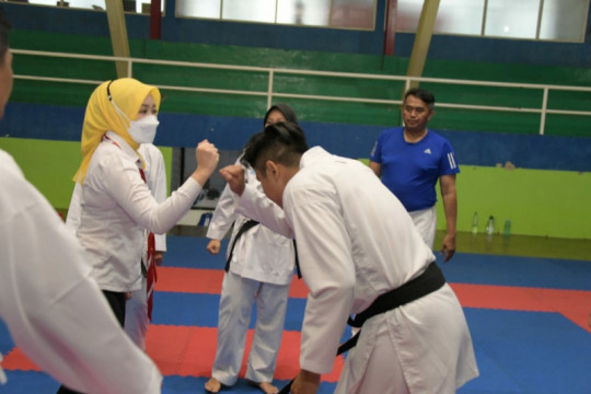 Atalia Kamil beri motivasi atlet Jabar sebelum berangkat ke PON