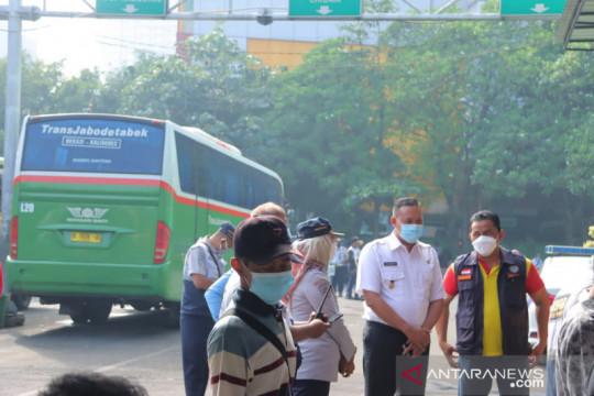 Pemkot gelar vaksinasi COVID-19 penumpang Terminal Induk Bekasi