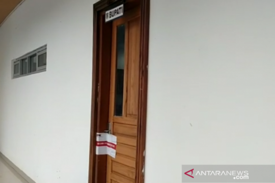 Sejumlah ruangan pemkab disegel usai KPK OTT Bupati Kolaka Timur
