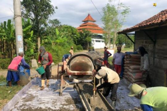 PUPR sebut padat karya tunai permukiman serap 300.000 tenaga kerja