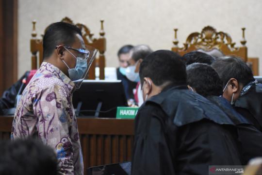 Dua mantan pejabat Dirjen Pajak didakwa terima suap Rp57 miliar