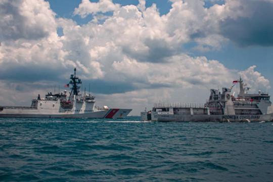 Kapal penjaga pantai AS ikuti latihan bersama Bakamla RI