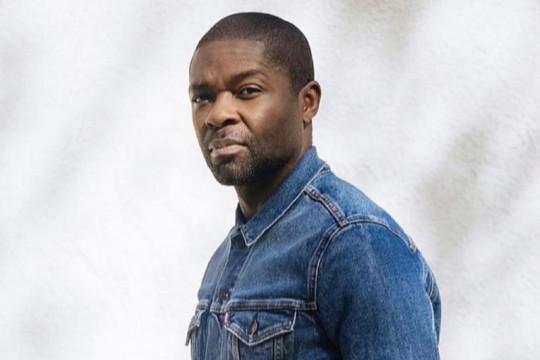 "David Oyewolo dan Rashida Jones akan tampil di serial Apple ""Wool"""