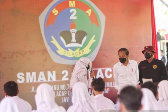 Presiden tinjau program vaksinasi BIN di Cilacap