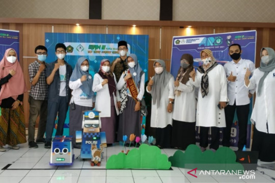 Dua tim Robotic MAN 2 Makassar juarai Asean Robotic Day 2021