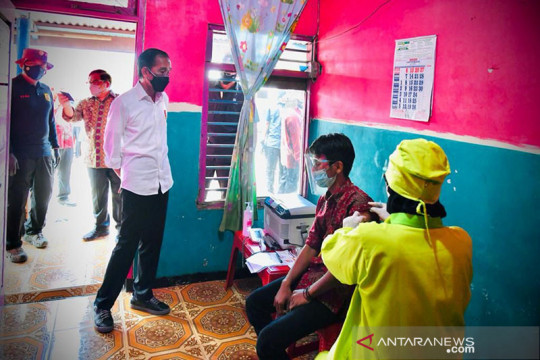 Presiden Jokowi gembira masyarakat antusias bantu percepatan vaksinasi