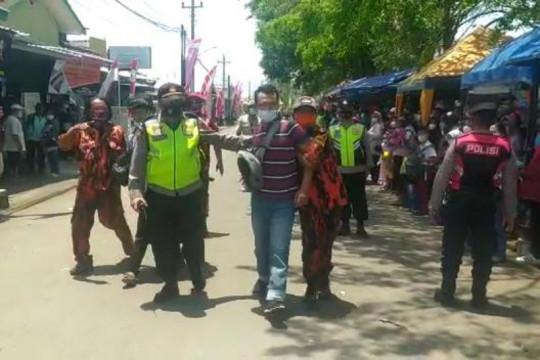 Polisi amankan dua warga saat kunjungan Presiden di Cilacap