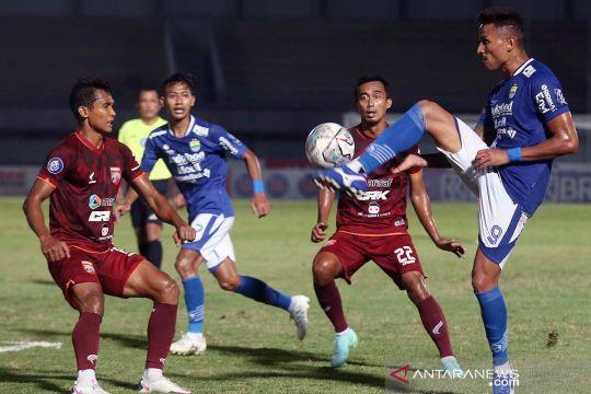 Persib Bandung bermain imbang lawan Borneo FC