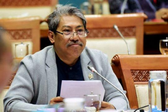Anggota DPR ingin ojek daring ke depan gunakan motor listrik