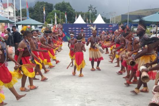 Kontingen Sumatera Barat disambut luar biasa hangat di Jayapura