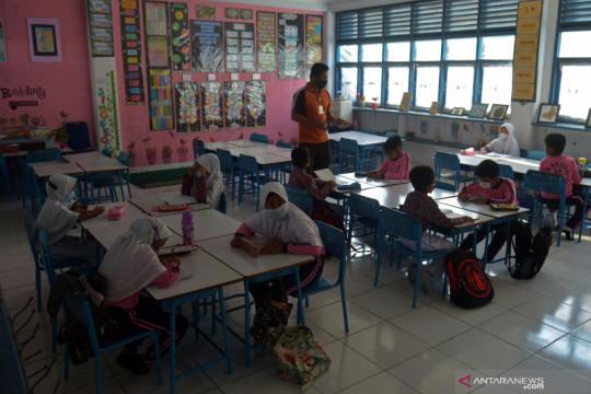 Pembelajaran tatap muka dengan pembatasan murid