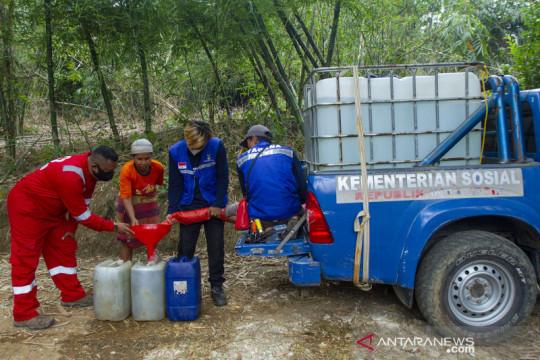 Distribusi 31 ribu liter air bersih di Karawang