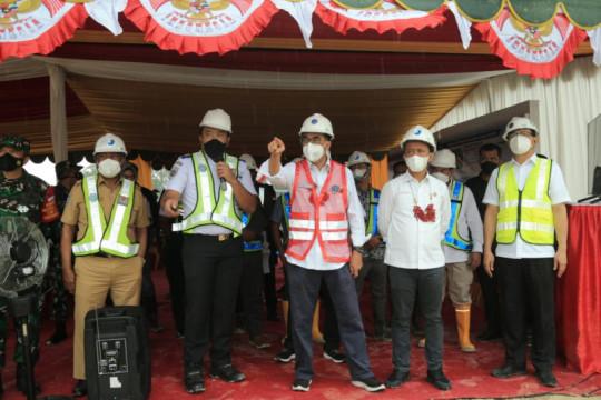 Pulang kampung ke Fakfak, Bahlil tinjau pembangunan Bandara Siboru