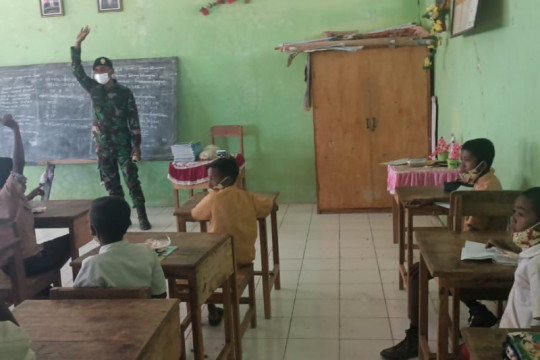 Satgas Pamtas RI-Timor Leste motivasi pelajar mulai jalani tatap muka