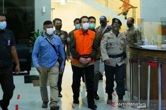 Sepekan, Azis Syamsuddin ditahan KPK hingga percepatan vaksinasi