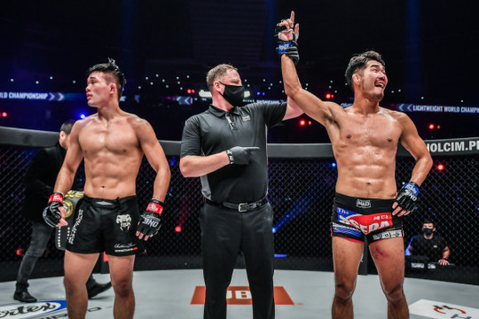 Christian Lee kehilangan gelar ONE saat sang adik menang beruntun