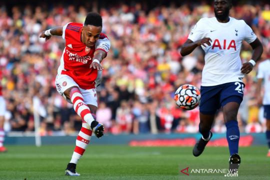 Liga Inggris : Arsenal pimpin 3-0 atas Hotspur di menit 34