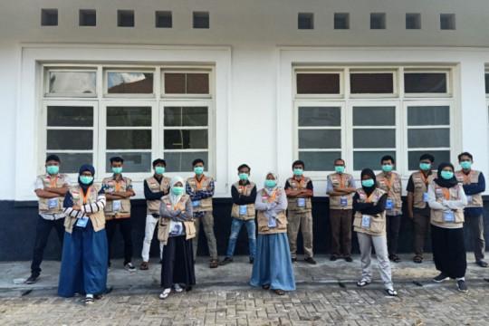 Mengintip perjuangan anak-anak muda relawan RSLI Surabaya