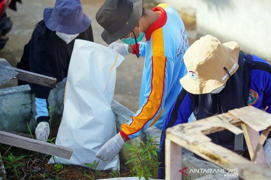 """Sampah di Waterfront Pontianak dibersihkan sambut """"World Cleanup Day"""""""
