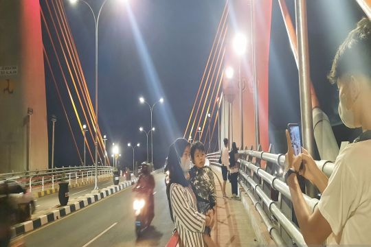 Kemarin, Jembatan Sei Alalak hingga pajak karbon