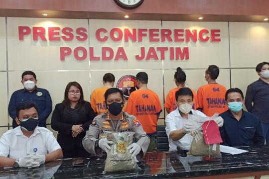 Polda Jatim bekuk pengedar sabu jaringan internasional