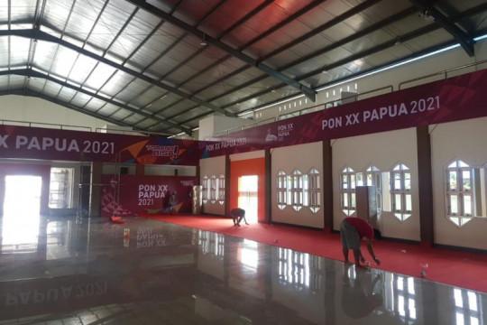 Panitia rampungkan persiapan arena pertandingan anggar PON Papua