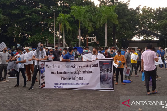 Imigran asal Afghanistan demonstrasi di Lapangan Pamedan Tanjungpinang