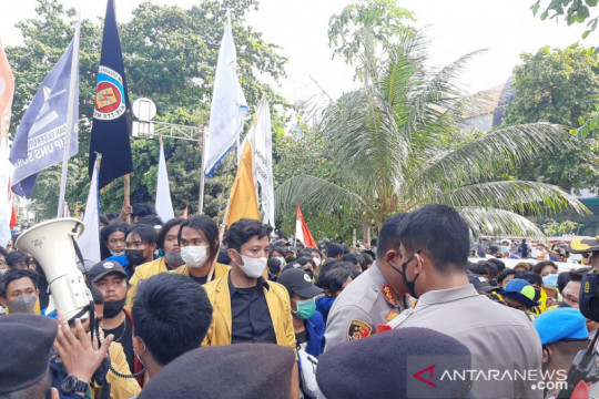 Demo BEM SI sampaikan tuntutan untuk KPK