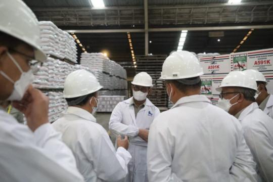 Mentan cek pabrik pakan pastikan stok jagung aman