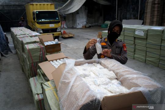 Penggerebekan pabrik obat ilegal di Bantul