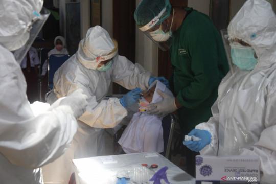 Minggu, kasus harian COVID-19 tambah 1.142 orang terbanyak DKI Jakarta