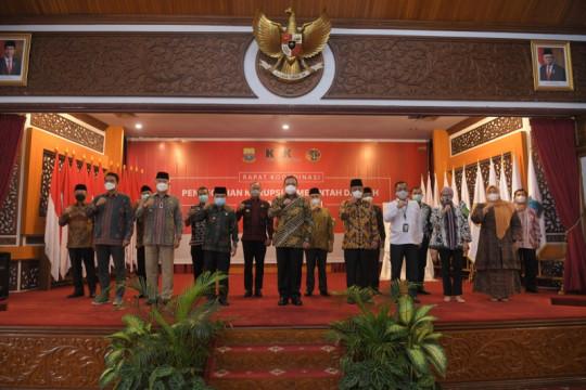Kepala daerah di Jambi tandatangani komitmen pencegahan korupsi