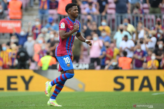 Ansu Fati bahagia perpanjang kontrak bersama Barcelona