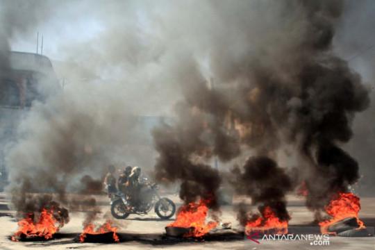 Ekonomi memburuk, warga Yaman demo turun ke jalan