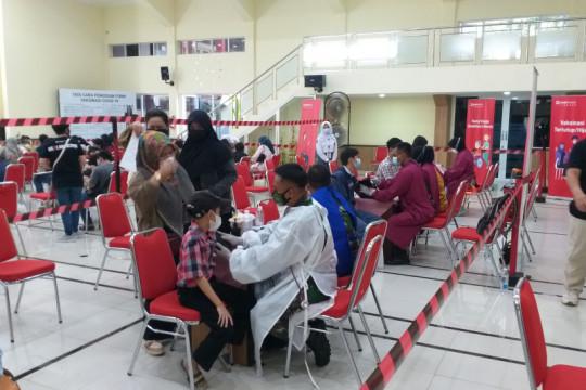 Vaksinasi siswa SMA/SMK Bandung-Cimahi capai 70 persen