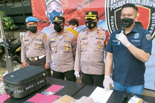 Polisi tangkap suami istri pengedar ganja