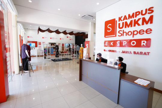Kampus UMKM Shopee Ekspor hadir di Bandung