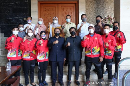 Wali Kota Makassar motivasi atlet anggar sebelum berlaga di PON XX