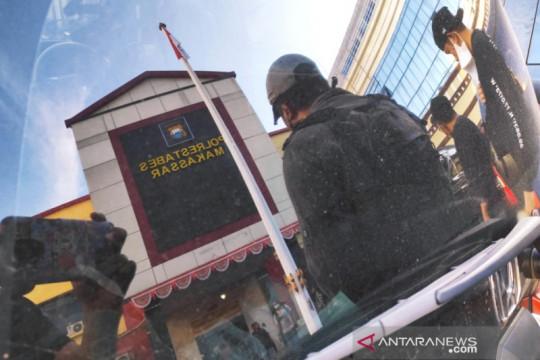Dua rekan tersangka pembakar mimbar Masjid Raya Makassar ditangkap