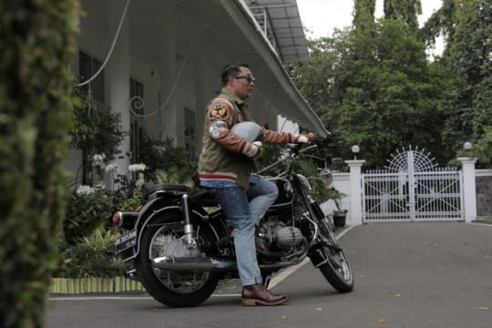 Dukung merek lokal, Ridwan Kamil desain celana jeans dari daur ulang