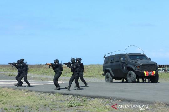 Paskhas TNI AU uji alutsista dalam latihan Trisula Perkasa di Lumajang