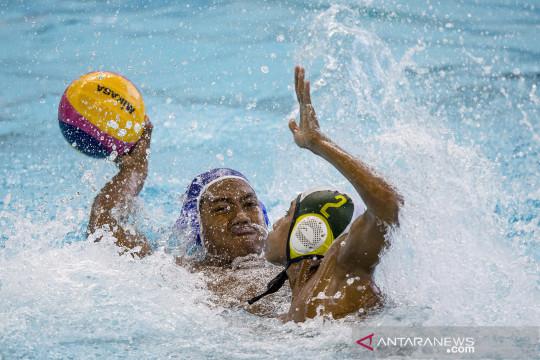 PON Papua : Polo air Papua melawan Jatim