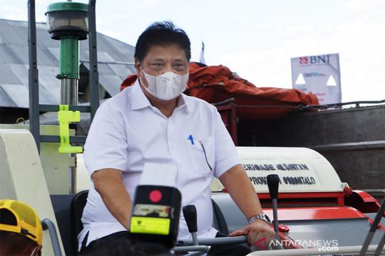 Menko Perekonomian ikut panen raya jagung di Gorontalo