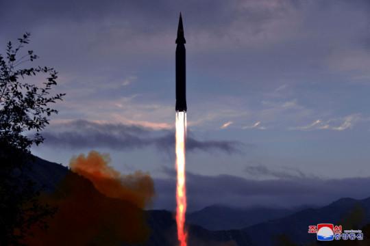 Korut sebut AS berlebihan menyikapi uji rudal kapal selam