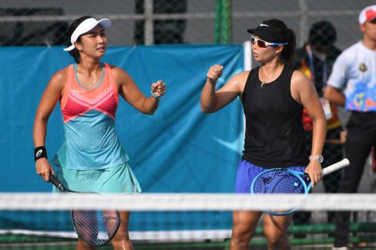 Jatim bungkam tuan rumah untuk mencapai final tenis beregu putri