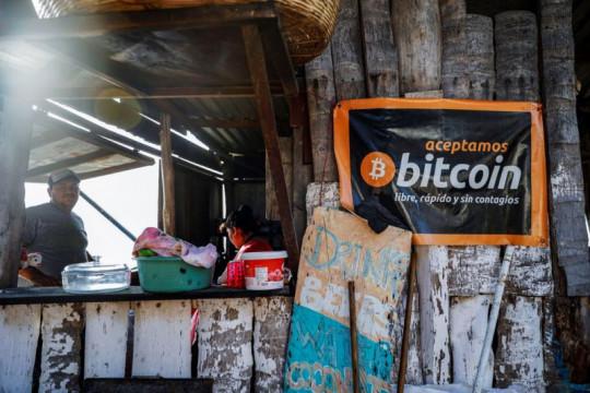 "Penggunaan bitcoin di El Salvador tersandung ""gagap teknologi"""