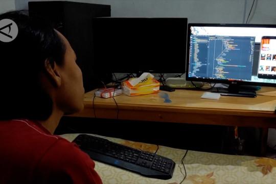 """Penyandang disabilitas dari Batang mahir """"coding"""""""